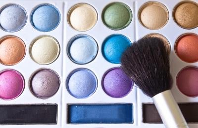 idee cadeau femme coffret maquillage coffret cadeau maquillage. Black Bedroom Furniture Sets. Home Design Ideas