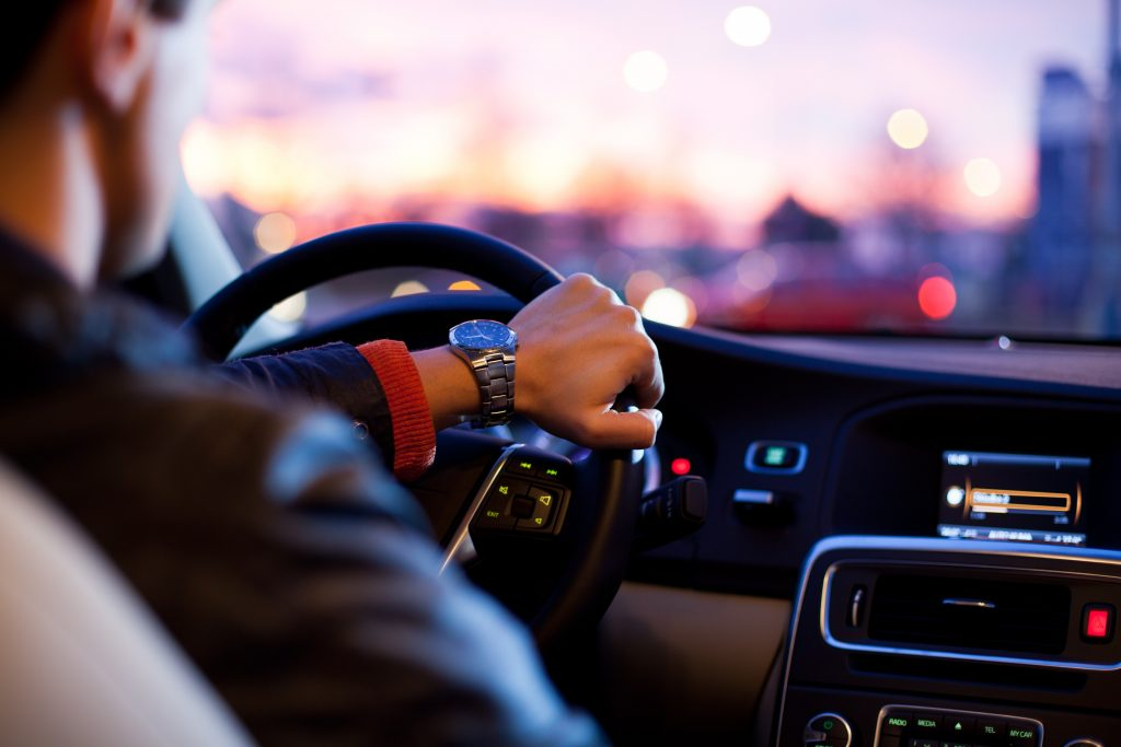 Choisir le bon autoradio : quels critères ?
