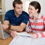 Finances : déduire ses dons de ses impôts, comment ça marche ?