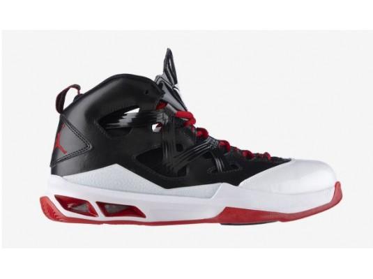 Chaussures de basket Jordan Melo M9