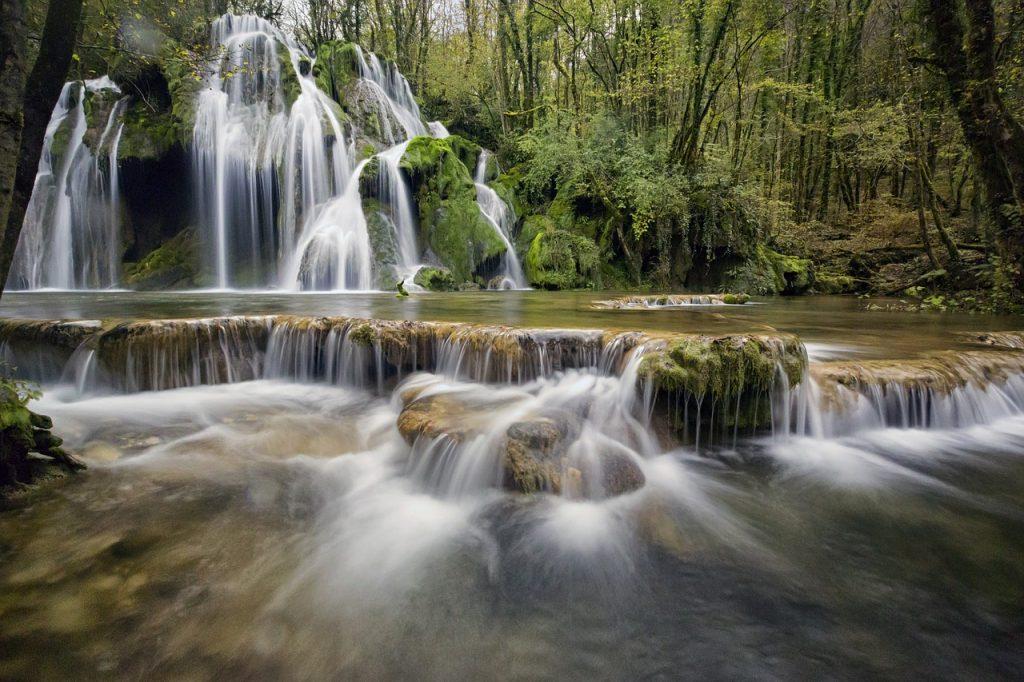 cascade-tufs-jura