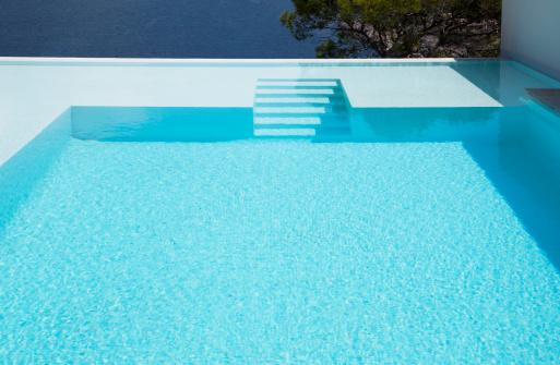 préparer piscine pour l'hiver