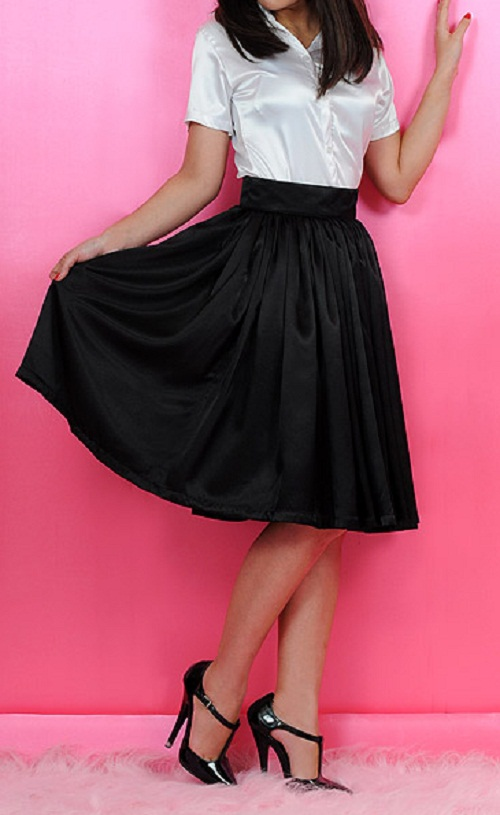 jupe de pin up en satin noir