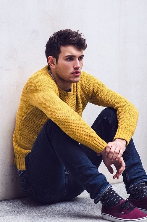 pull d'homme jaune moutarde