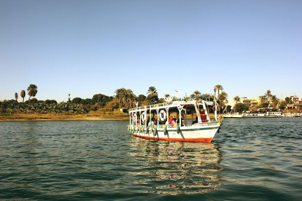 Les premiers stores sont apparus au bord du Nil, pendant l'Antiquité.
