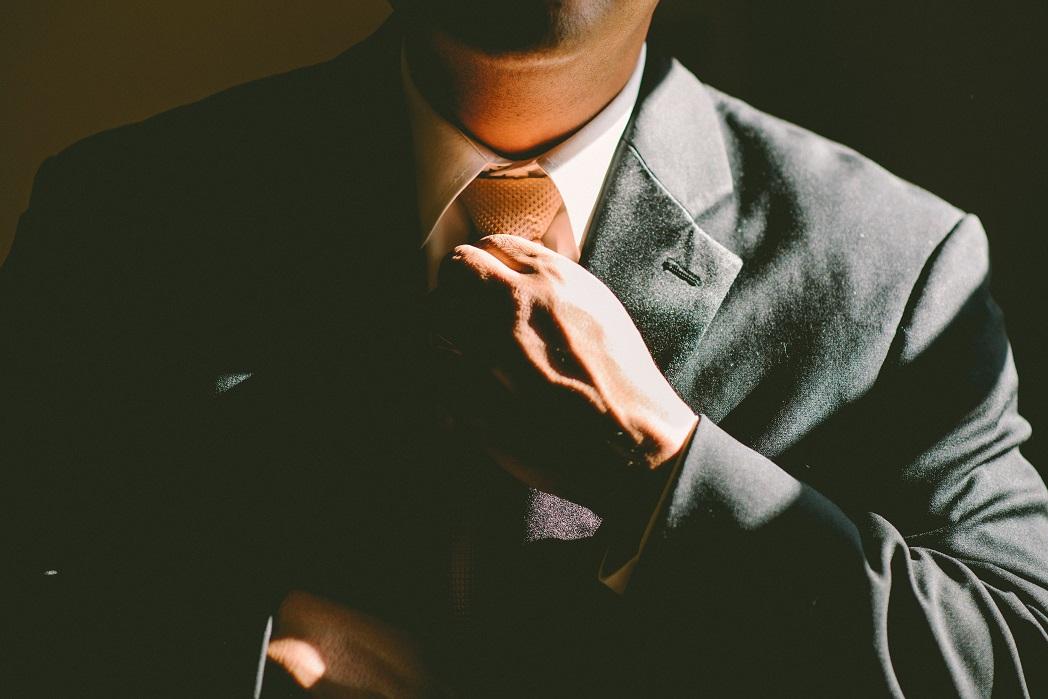 homme-cravate