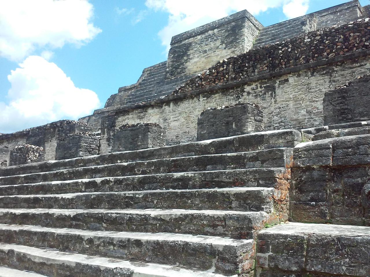 vestiges mayas belize caraibes